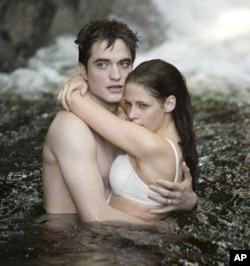 Robert Pattinson and Kristen Stewart in The Twilight Saga: Breaking Dawn-Part 1