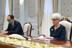 AQSh Davlat kotibi Uendi Sherman Prezident Mirziyoyev bilan muloqotda, Toshkent, 4-oktabr, 2021