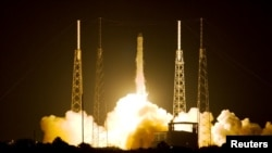 ຈະຫລວດທີ່ມີຊື່ວ່າ Space X ໄດ້ຖືກສົ່ງຂຶ້ນອະວະກາດ ໃນຕອນເຊົ້າມຶດມື້ນີ້ ວັນທີ່ 22, 2012 ທີ່ຖານສົ່ງຈະຫລວດ ຢູ່ Cape Canival, ລັດ Florida.