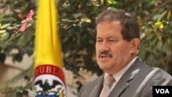 Angelino Garzón, de 65 años, llegó a la Vicepresidencia como compañero de fórmula de Juan Manuel Santos, fue líder sindical y ejerció como ministro de Trabajo en el gobierno de Andrés Pastrana (1998-2002).