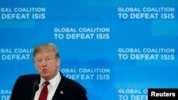 Ông Trump phát biểu tại Bộ Ngoại giao Mỹ hôm 6/2.
