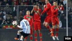 Messi volvió a llevarse la mejor parte entre su duelo con el portugués Cristiano Ronaldo. Ambos vieron puerta, pero Argentina se llevó el resultado.
