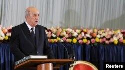 Le président algérien Abdelmadjid Tebboune prête serment lors de son investiture à Alger, en Algérie, le 19 décembre 2019.