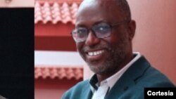 Dr. Sérgio Calundungo