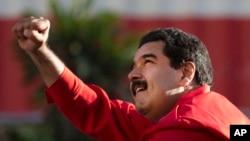 """Nicolás Maduro anunció que demandará a la directiva de la Asamblea Nacional """"por usurpar funciones constitucionales del presidente de la república""""."""