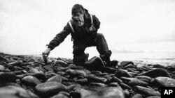 Steve Provant, del Departamento de Medio Ambiente de Alaska fue uno de los especialistas que ayudó a determinar la magnitud del problema ambiental luego del incidente con el barco petrolero.