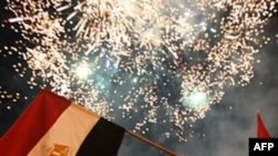 Không khí tại quảng trường Tahrir giống như đang lên đồng, nhiều người hô to 'Chào mừng một nước Ai Cập mới'