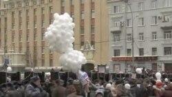 俄罗斯数万人抗议选举舞弊