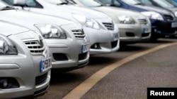 Las ventas de automóviles fueron la excepción y experimentaron una caída.