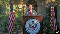 Archivo - Daniel Rubinstein, cónsul general de EE.UU. en Jerusalén, pronuncia un discurso por el 4 de julio, Día de la Independencia de EE.UU. el 30 de junio de 2010 en Jersualén.