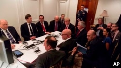 Prezida Trump na Reta yiwe, bariko bakurikira amasanamu ku bijanye n'ibitero vyo muri Siriya.
