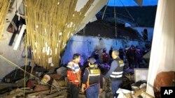 На месте обрушения стены гостиницы в городе Абанкай. Перу. 27 января 2019 г.