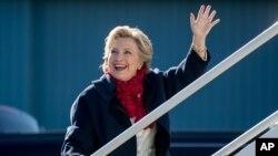 លោកស្រី Hillary Clinton បេក្ខជនប្រធានាធិបតីខាងគណបក្សប្រជាធិបតេយ្យ។