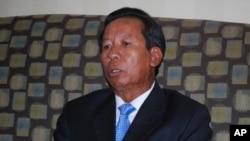 Bộ trưởng Quốc phòng CampuchiaTea Banh.