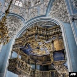 США внесли свою лепту в восстановление церкви в Дубровицах