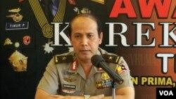 Juru bicara Kepolisian RI Boy Rafli Amar, memberikan pernyataan mengenai jarinan Al-Qaeda di Indonesia. (VOA/Andylala Waluyo)