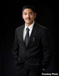 全美首位无证移民律师赛吉奥•贾西亚