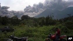 APTOPIX Guatemala Volcano