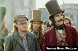 دنیل دی-لوئیس و لئوناردو دی کپریو، در فیلم دار و دستههای نیویورکی (Miramax)