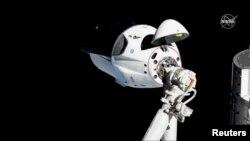 SpaceX ကုမၸဏီရဲ႕ Dragon အာကာသယာဥ္ငယ္ အျပည္ျပည္ဆိုင္ရာ အာကာသစခန္းသို႔ ခ်ဥ္းကပ္ပံု (မတ္၊ ၀၃၊ ၂၀၁၉ )