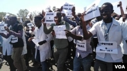 Angry doctors stage protest in Zimbabwe