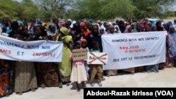 500 jours après l'enlèvement au Niger, le 15 novembre 2018. (VOA/Abdoul-Razak Idrissa)