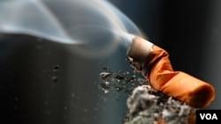 Studio revela que incrementar la edad mínima para la compra de tabaco reduciría número de muertes relacionadas a su consumo.
