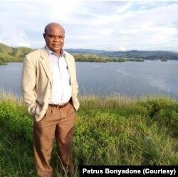 Ketua Gereja Kemah Injil Indonesia (GKII) Sinode Wilayah II Papua, Pendeta Petrus Bonyadone. (Foto: Petrus Bonyadone/dokumen pribadi)
