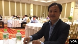 Dr. Huy Rekol, Director of National Center for Parasitology Entomology and Malaria Control (CNM) at a conference of 5-years strategic plan in eliminating malaria in Cambodia, on January 28, 2016. (Neou Vannarin/VOA Khmer)