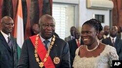 Laurent Gbagbo da mai dakinsa Simone a fadar shugaban kasar ranar da aka ce an sake rantsar da shi a matsayin shugaban kasa.
