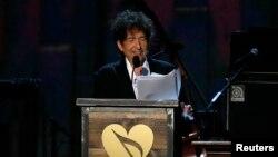Le musicien Bob Dylan a parlé au MusiCares qui a honoré la carrière de Bob Dylan à Los Angeles, Californie, le 6 février 2015.