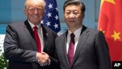 Tổng thống Trump và Chủ tịch Tập bên lề hội nghị thượng đỉnh G20 ở Đức hồi tháng Bảy.