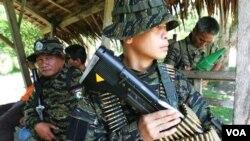 Kelompok Moro Islamic Liberation Front (MILF), organisasi pemberontak Islam terbesar di Filipina.