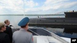 Rusya Cumhurbaşkanı Vladimir Putin'in Kuzey Filosu'nu ziyaretinden bir kare