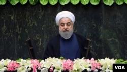 İran prezidenti Həsən Ruhani qarşıdan gələn ABŞ sanksiyalarının mümkün təsirlərinin qarşısını almaq yollarını arayır.