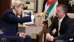 Quốc vương Jordan Abdullah II trong cuộc gặp với Ngoại trưởng John Kerry ở Amman hôm 24/10.