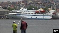 Tàu Mavi Marmara của Thổ Nhĩ Kỳ - nơi xảy ra vụ biệt kích Israel đột kích gây chết người hồi năm ngoái -- đang được bảo trì tại Istanbul, Thổ Nhĩ Kỳ (ảnh tư liệu ngày 30 tháng 5, 2011)