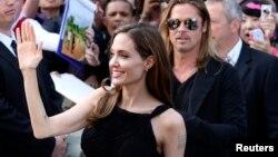"""Angelina Jolie y Brad Pitt en el estreno de """"World War Z"""" en Londres."""