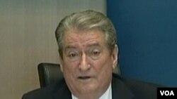 Partai PM Sali Berisha menang tipis dalam pemilu Juni 2009.