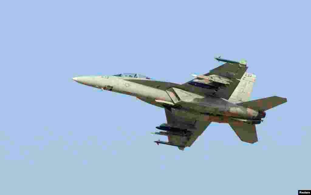 طیارہ ساز کمپنی بوئینگ کا جدید ایف-18 سُپر ہارنیٹ لڑاکا طیارہ۔