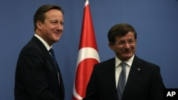 İngiltere Başbakanı David Cameron Ankara'da Başbakan Ahmet Davutoğlu ile
