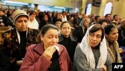 Bombalı saldırının ardından yas tutan Hristiyan Mısırlılar