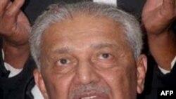 Ông Khan thú nhận đã bán các bí mật hạt nhân cho Libya, Iran và Bắc Triều Tiên