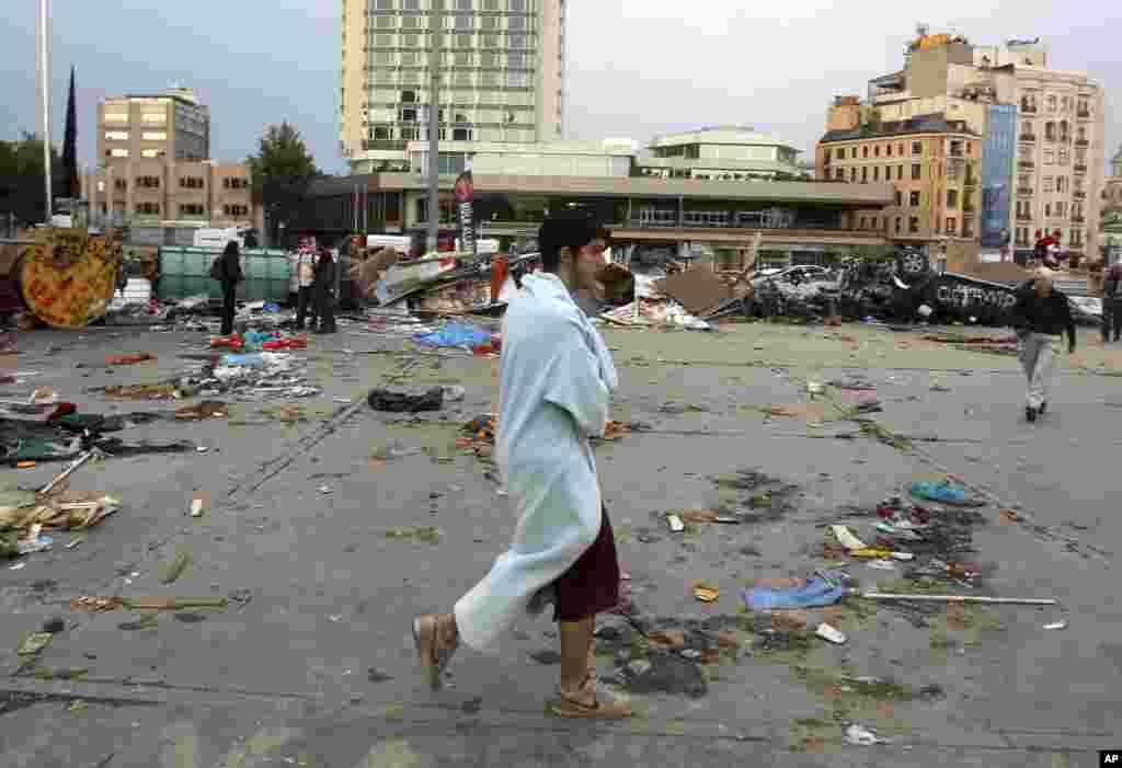 Gezi parkiga ko'chgan namoyishchilar