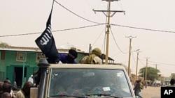 Des combattants d'Ansar Dine en avril à Tombouctou.