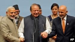 آقای غنی در حاشیۀ نشست سارک، دیدار مفصلی با نرندرا مودی صدر اعظم هند داشت