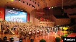 朝鲜举行庆庆祝试爆氢弹的大会。