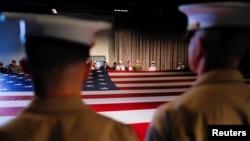 美军人员在纽约无畏号博物馆举行阵亡将士纪念日活动。(2017年5月29日)