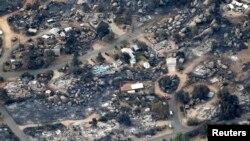 Snimak iz vazduha požarom opustošenog grada Jarnel u Arizoni