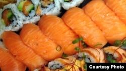 Salmon sushi. (Photo by Diaa Bekheet)